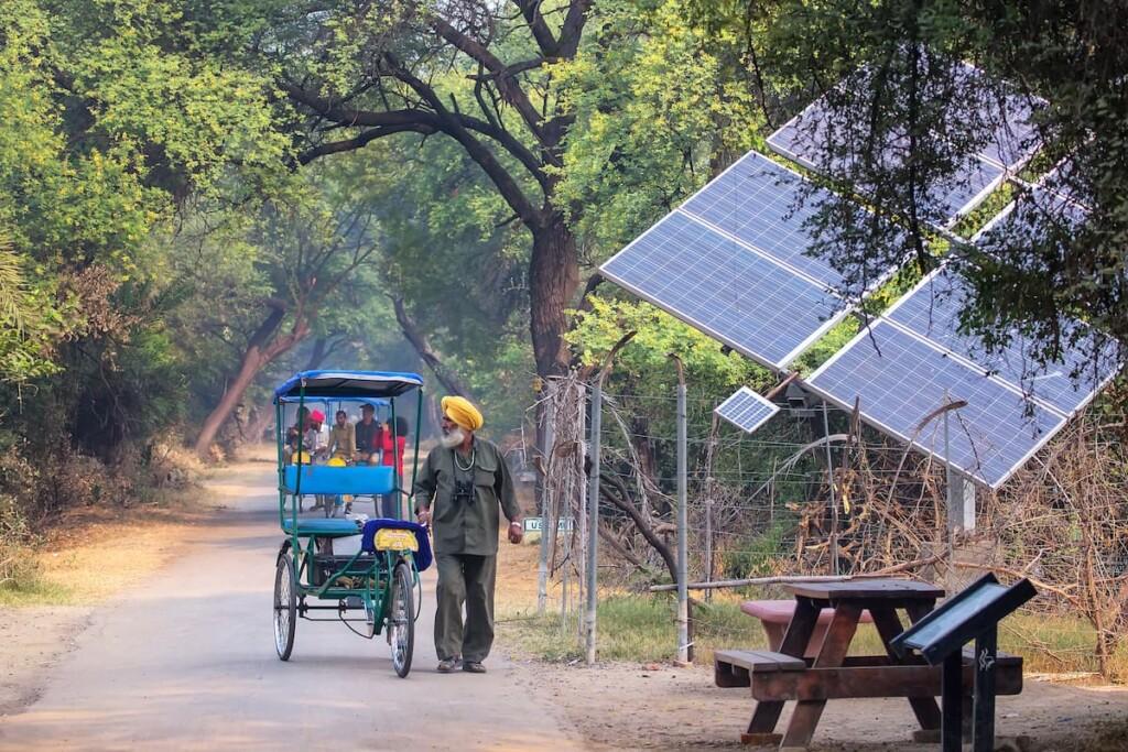 Decentralized solar power technologies